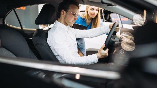 Entenda o uso do software para a sua gestão empresarial em lojas de veículos